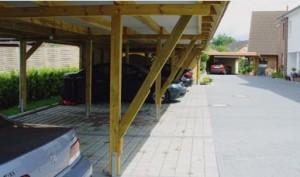 Carportanlage mit zurückgesetzten Pfosten