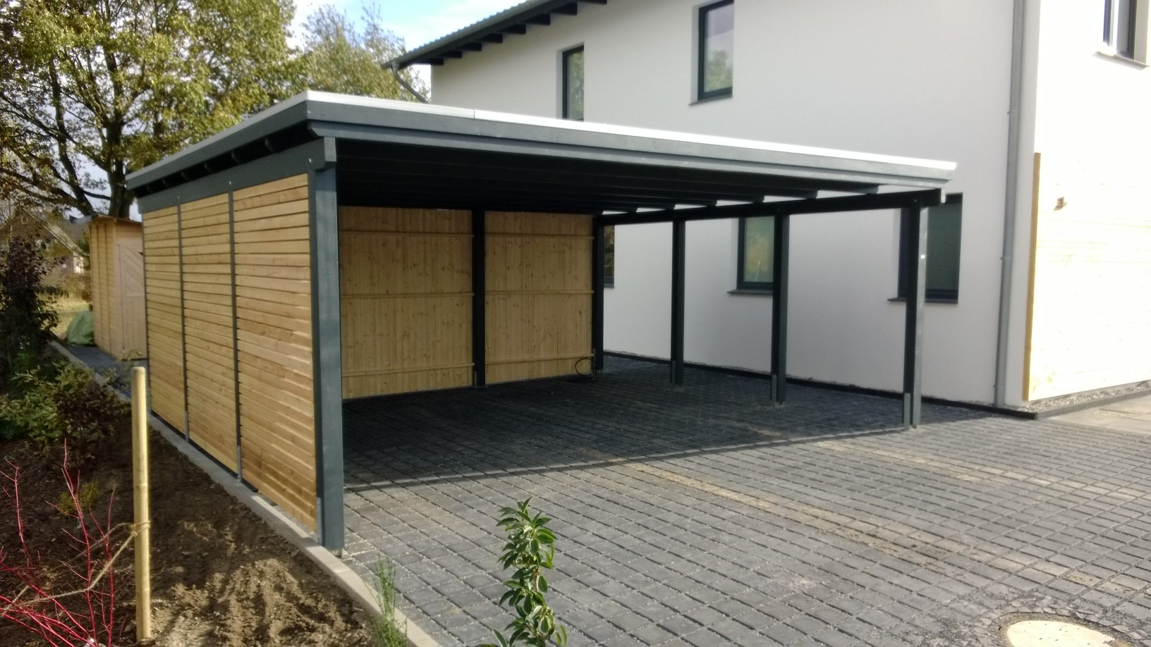 fundament f r carport wie tief design carport aus stahl in ral farben robustes walmdach. Black Bedroom Furniture Sets. Home Design Ideas